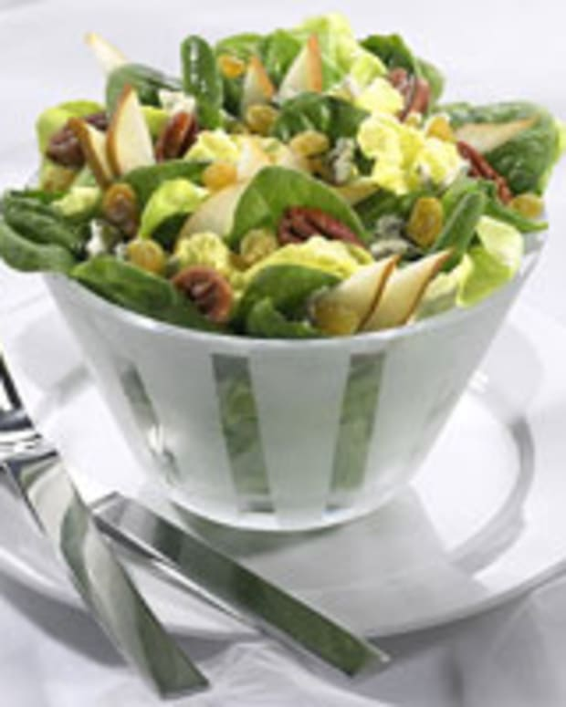 Pear, Raisin and Gorgonzola Salad