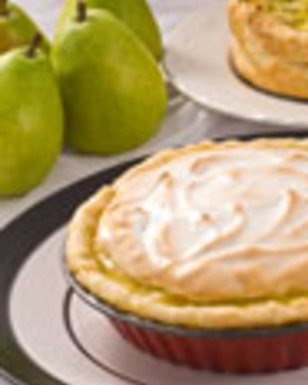 Green Anjou Meringue Pie