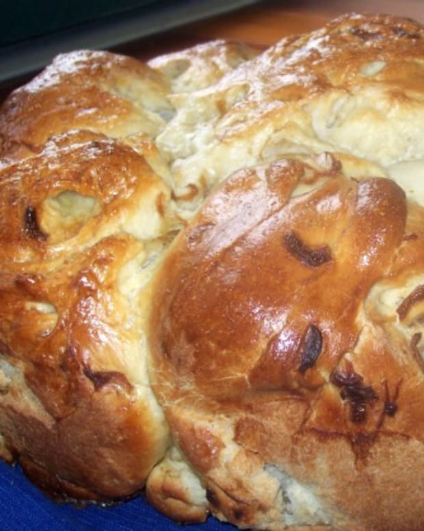 Carmelized Onion Challah
