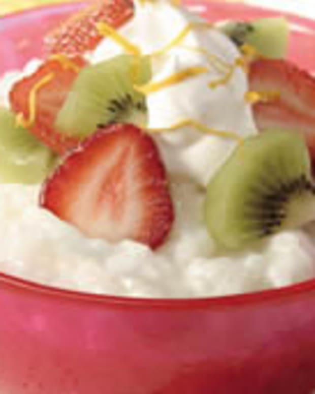Creamy Rice Pudding with Strawberries & Kiwi