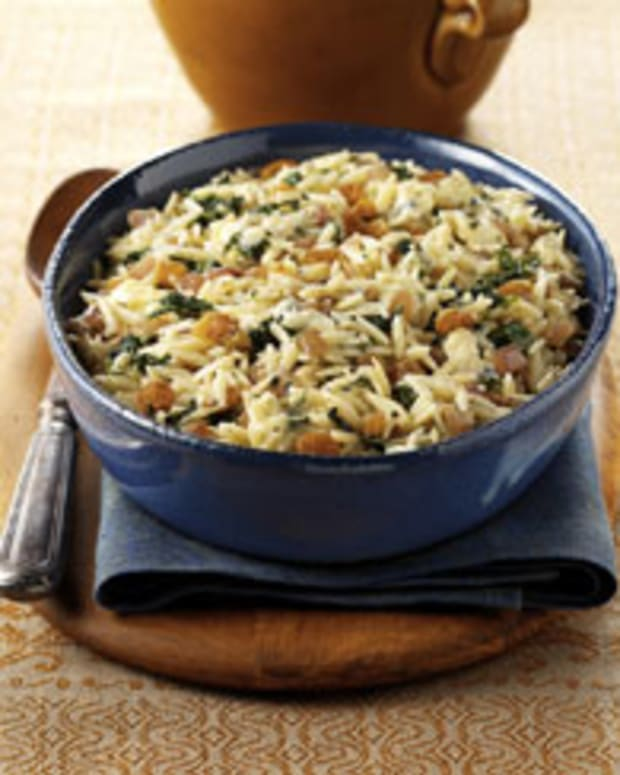California Raisin, Caramelized Onion and Blue Cheese Orzo Pasta