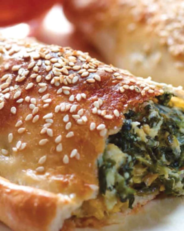 spinach-and-cheddar-calzone-310
