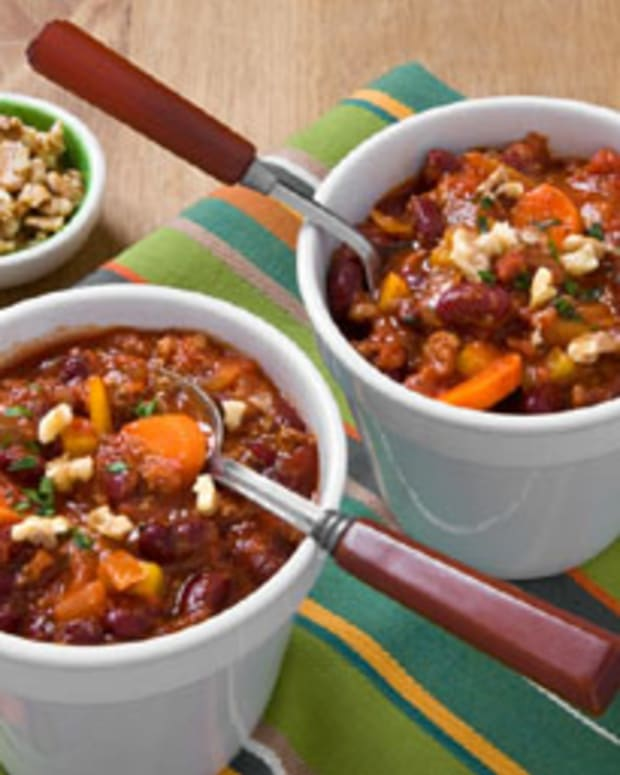 Brilliant Chili Topped with Walnuts