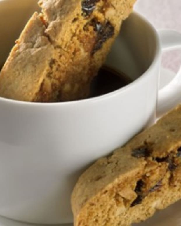 almond-cherry-biscotti