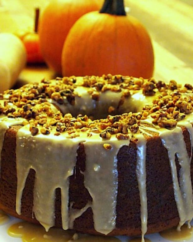 Pumpkin Pound Cake With Caramel Icing