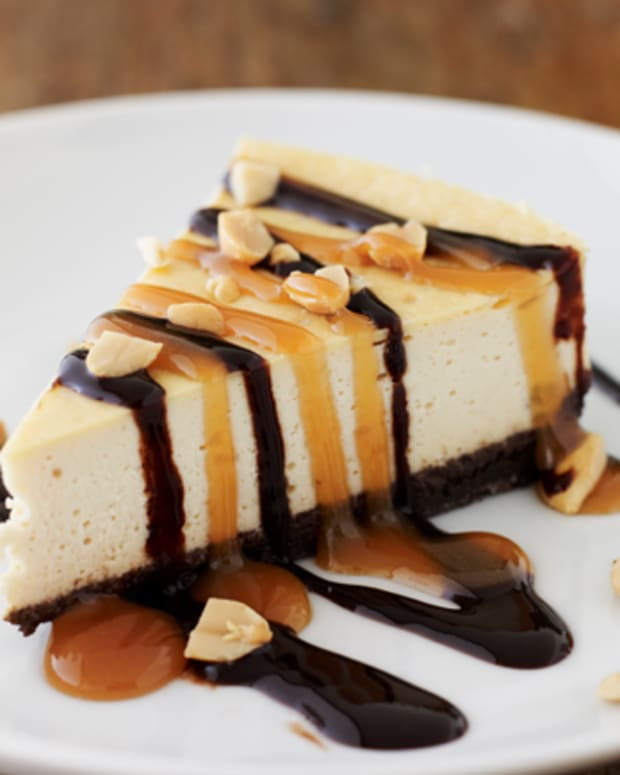 Pareve Snickers Cheesecake
