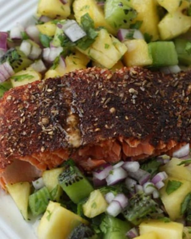 Spiced Rubbed Salmon With Pineapple Salsa