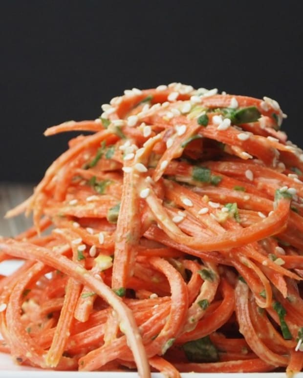 Cold-Sesame-Carrot-Noodle-Salad