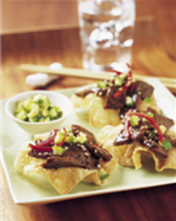 Sesame-Soy Steak Stir-Fry on Wonton Crisps