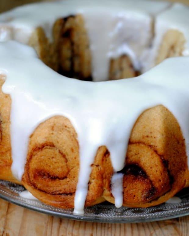 cinnamon bun cake final