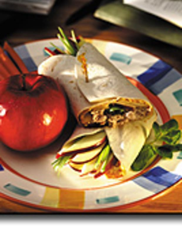 Tuna Apple Tortilla Wraps