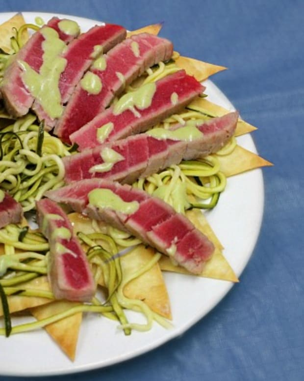 Tuna with zucchini saute