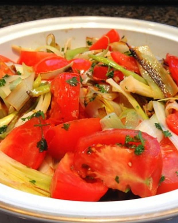 braised leeks and tomatoes