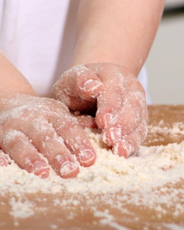 little-girl-baking