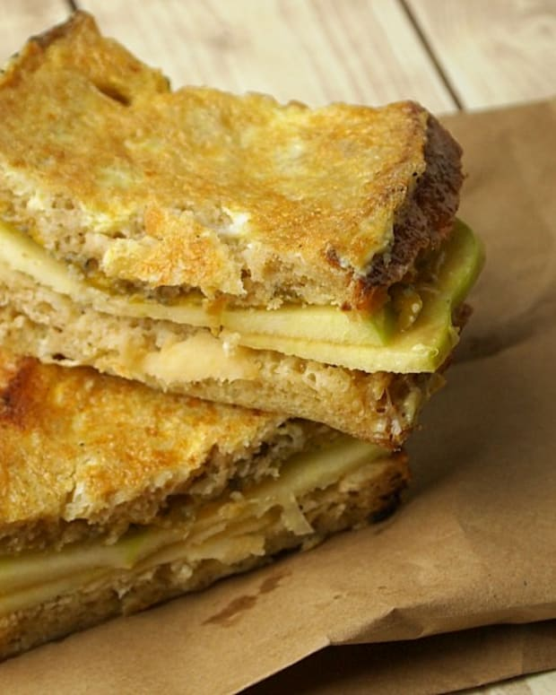 apple cheddar monte cristo