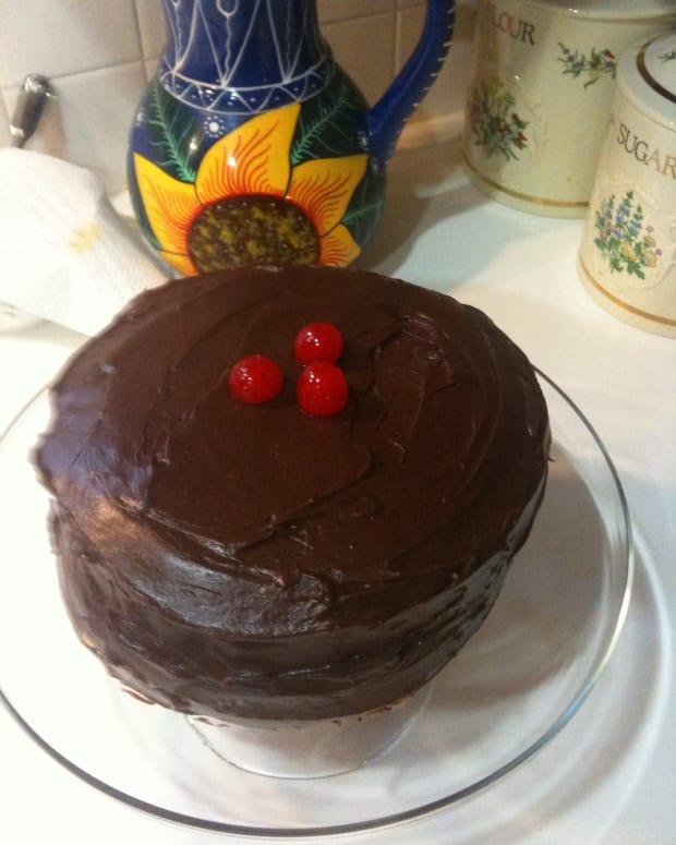 Easy Chocolate Cherry Fudge Cake