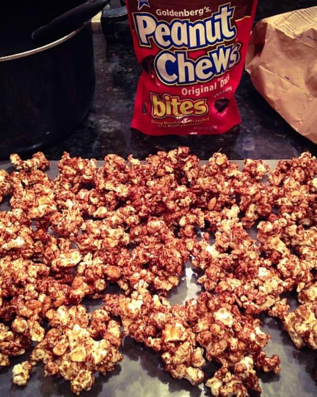 Peanut Chew Popcorn