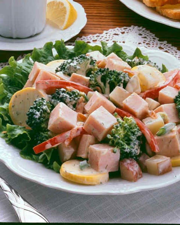 Smoked Turkey and Fresh Vegetable Salad
