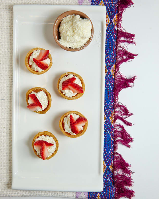 Fruit Tarts with White Chocolate Cream