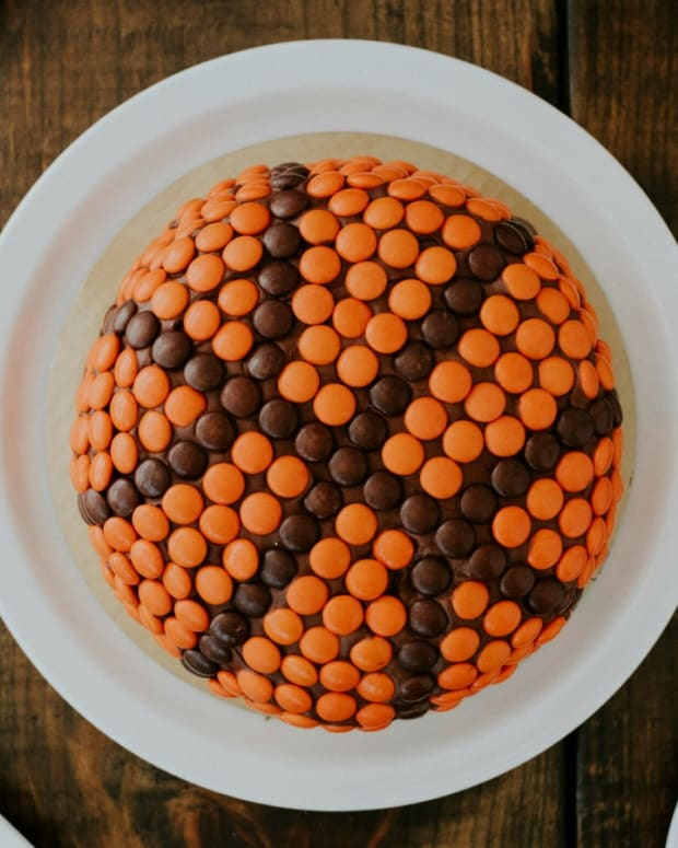 Basketball Cake with Candies