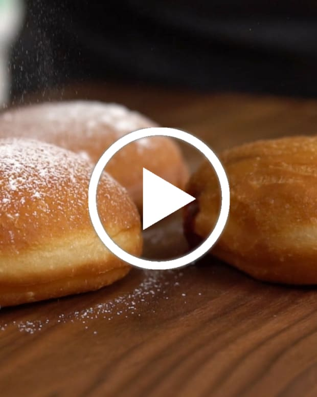Sufganiyot jelly doughnut video