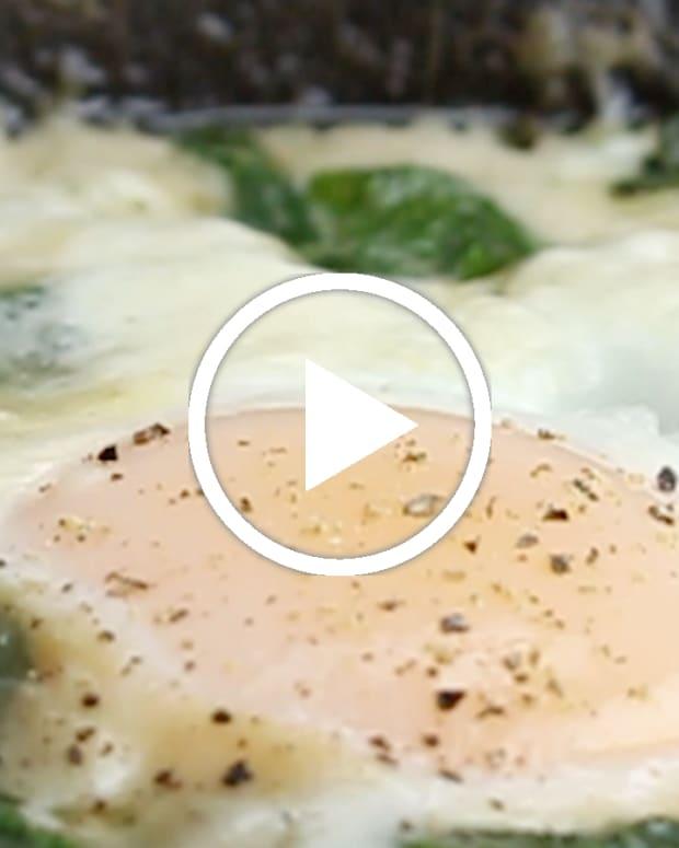 spinach shakshuka featured