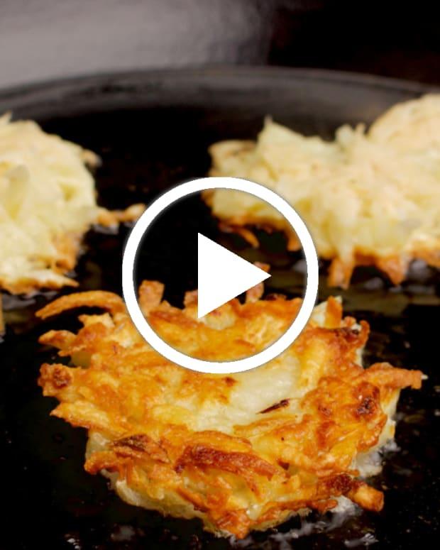 jewlish crispy potato latkes featured
