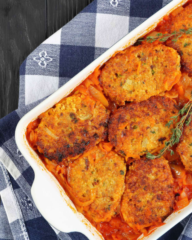 gefilte fish in tomato sauce