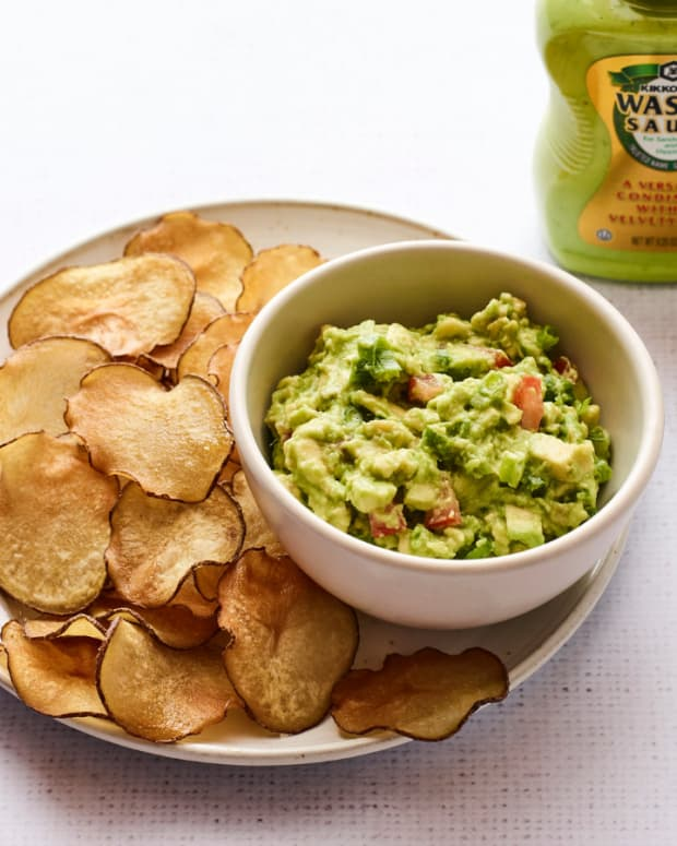 Asian Sesame Guacamole with Wasabi Potato Chips