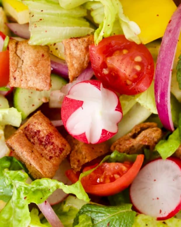jamie-geller-jewlish-fattoush-salad