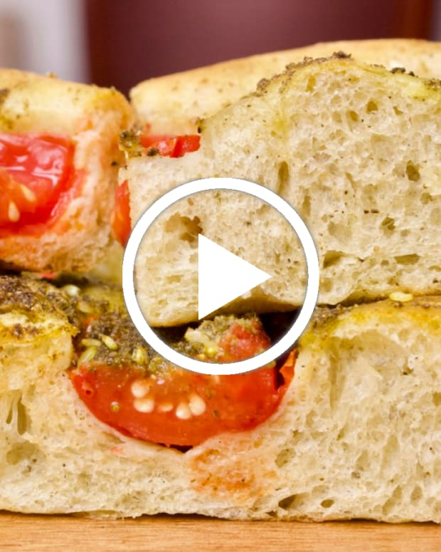 zaatar-focaccia-featured