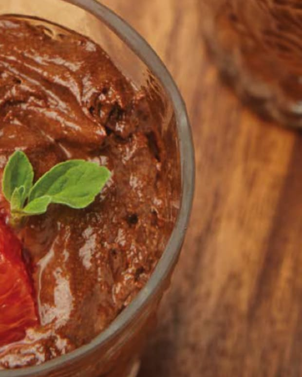 Vegan 1-Ingredient Miracle Chocolate Mousse