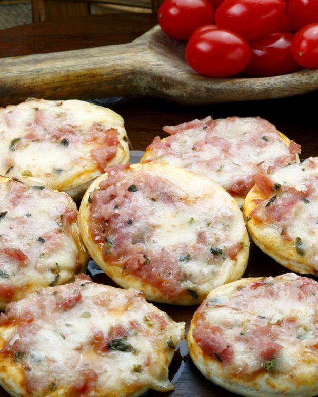 veggie mini pizza
