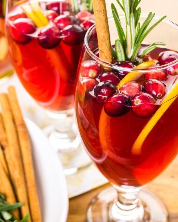 cranberry peach sangria.jpg