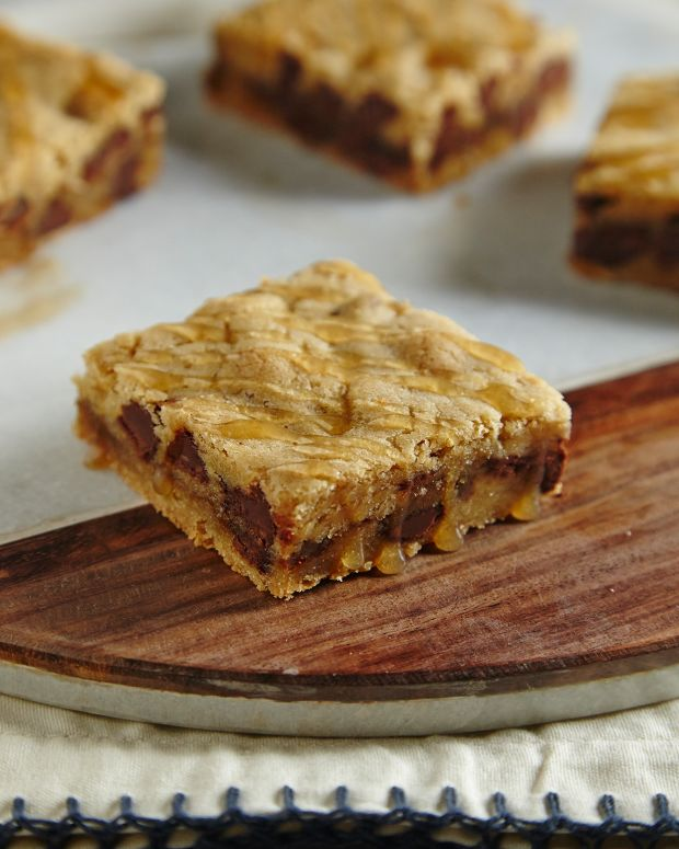 Salted Caramel Chocolate Chip Blondies