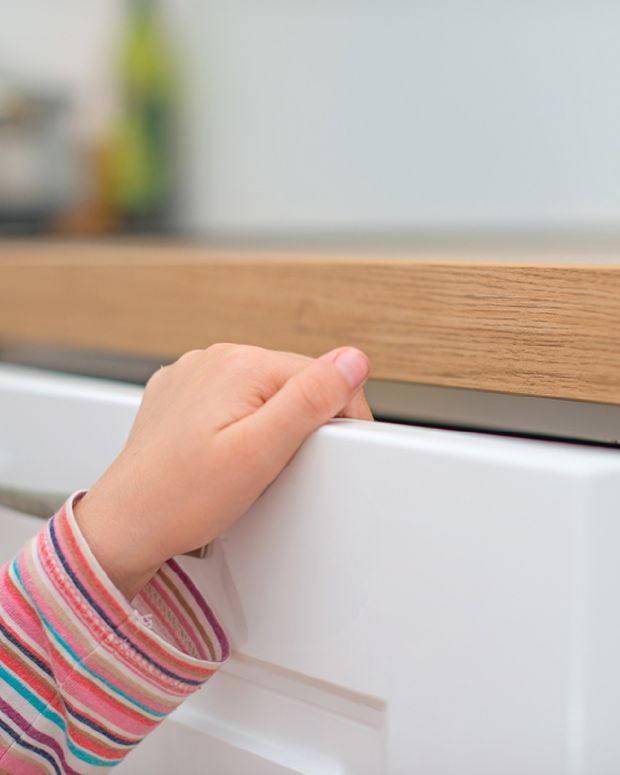 child hand drawer