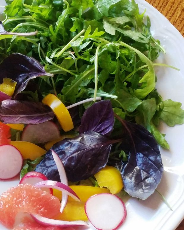 Roquette Salad with Pink Grapefruit