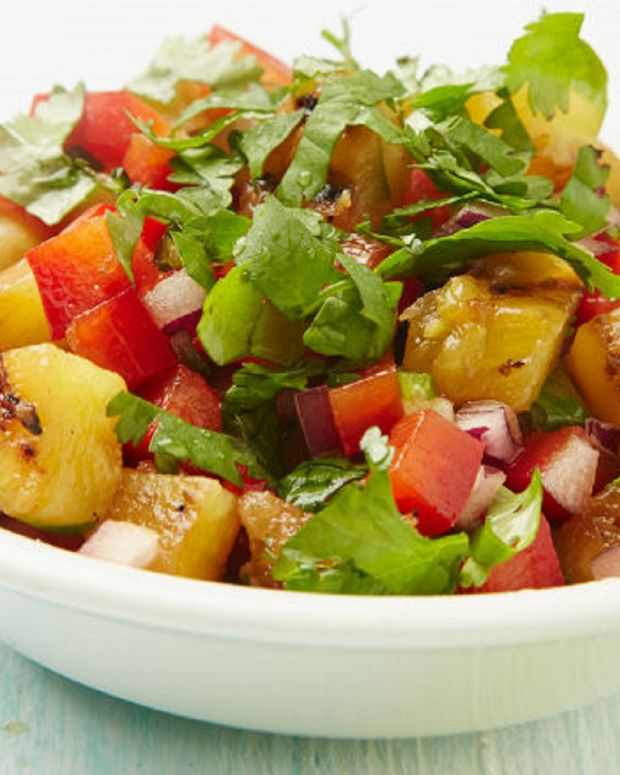 GRILLED PINEAPPLE SALSA crop