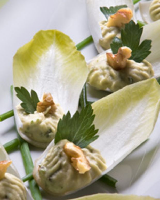 Smart Endive and Walnut Appetizers