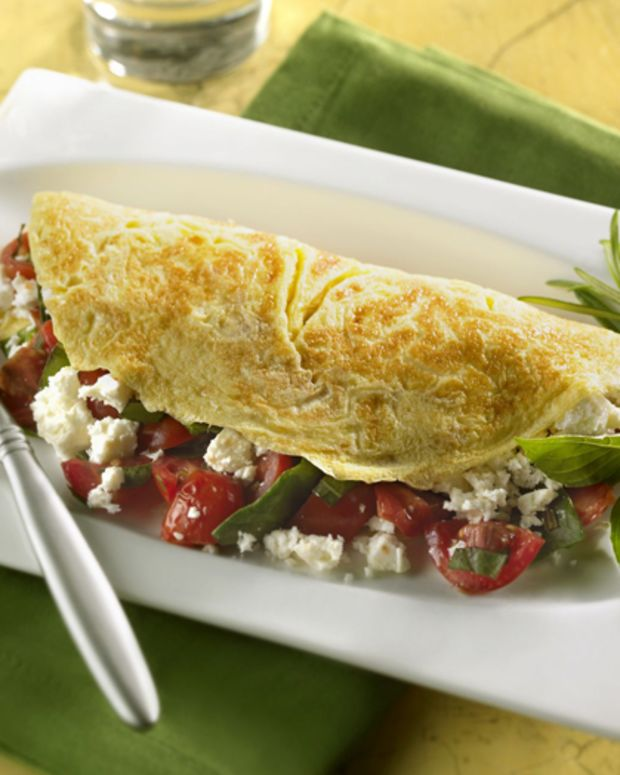 Fresh Spinach and Sweet Tomato Omelet with Feta
