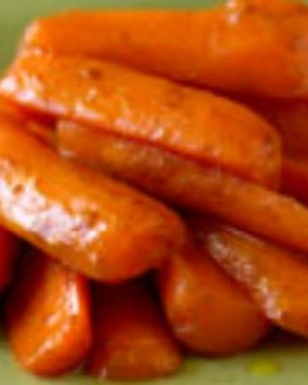 Cinnamon-Glazed Baby Carrots
