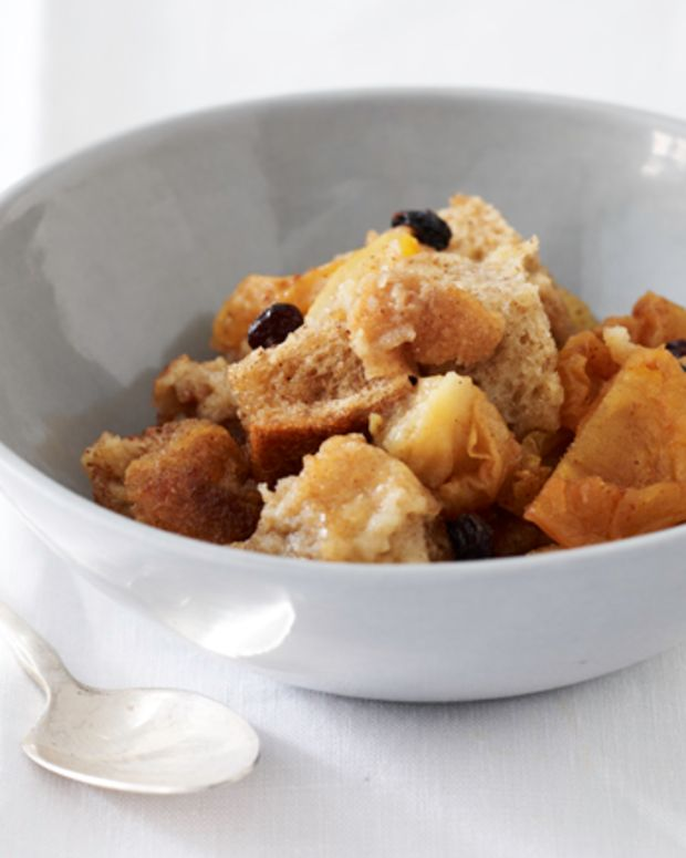 Bread Pudding with Pears, Currants and Cinnamon