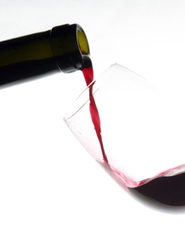 pouring-red-wine