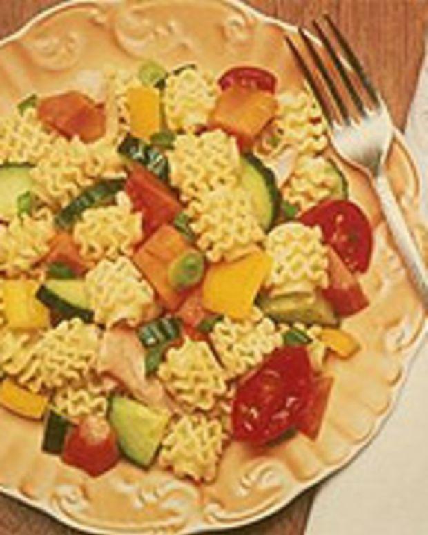 Radiatore Salad with Salmon and Papaya