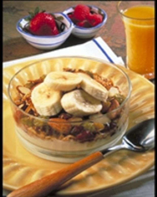 Crunchy Almond and Fruit Granola