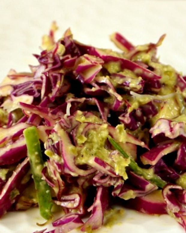 green garlic slaw