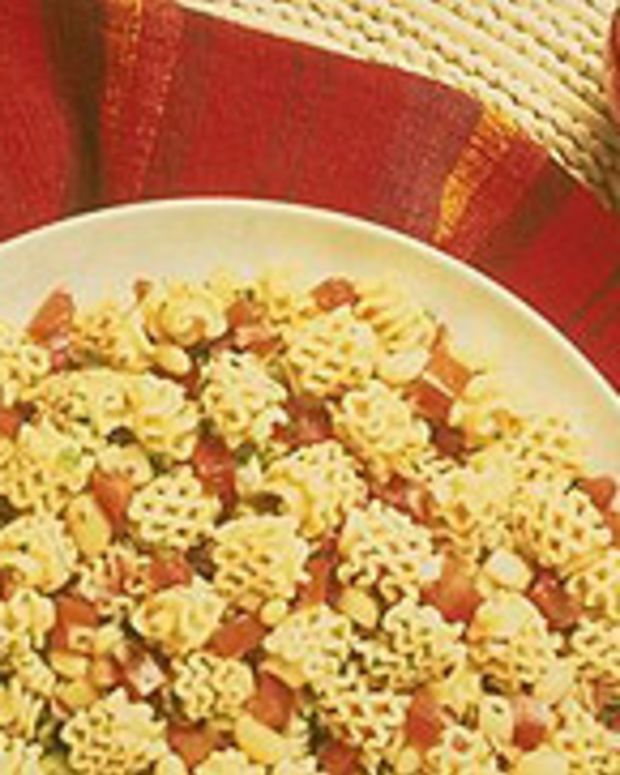 Gazpacho Pasta with Cannellini Beans