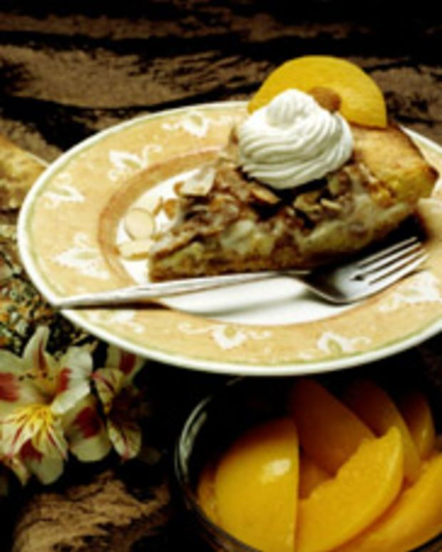 Creamy Almond Peach Pie