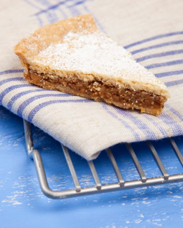 Spongata (Double Crusted Honey Nut Pie)