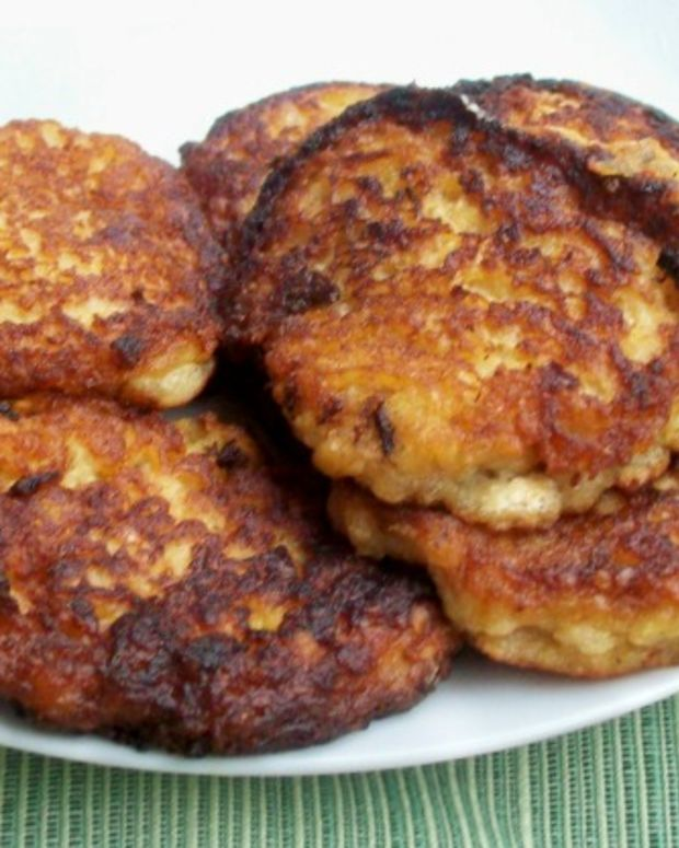 Apple Cinnamon Latkas (Latkes)